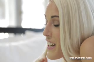 Сисястая блондинка Blanche Bradburry получила в анал от мужа