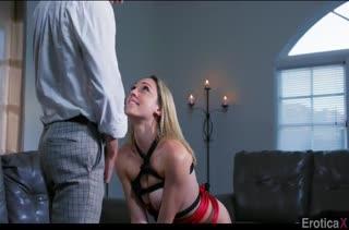 Белокурая Lily Labeau захотела порно со связыванием