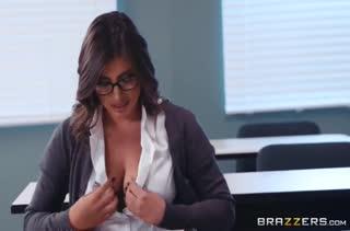 Студентка Ella Knox трахается с преподом
