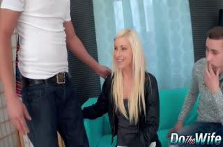 Блондинистая Vanessa Hell расплачивается за семейные долги