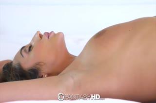 Christiana Cinn кончает от здорового пениса