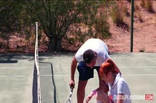 Теннисистка Lauren Phillips ублажает своего партнера