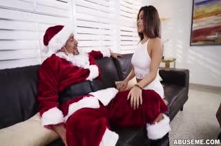 Дед Мороз жестко оттрахал грудастую Mia Martinez