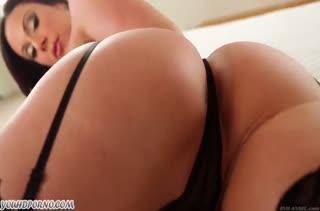 Kendra Lust в чулочках берет член за щеку
